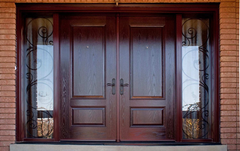 Moderné drevené okná a dvere